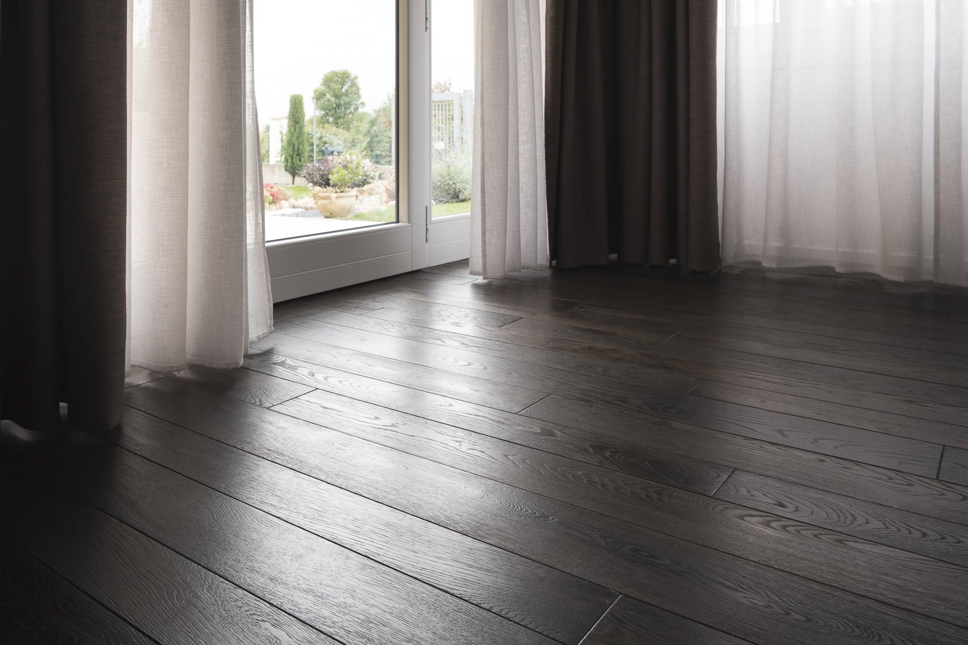 novalinea pavimento legno massiccio ebano